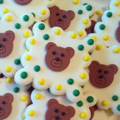 Green and gold bear cookies for Baylor Homecoming! So cute!