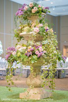 Beautiful Flower Arrangements, Floral Arrangements, Beautiful Flowers, Backyard Garden Design, Garden Art, Planting Succulents, Planting Flowers, Wedding Centerpieces, Wedding Decorations