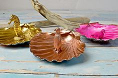 diy gorgeous scallop shell trinket dishes, crafts, home decor, painting, repurposing upcycling