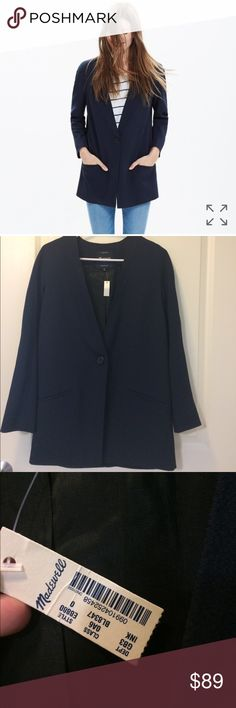 [madewell] NWT Navy Flatiron Blazer PRODUCT DETAILS A sleek, pared-down blazer crafted in a drapey crepe for a slouchy-meets-tailored feel. A versatile jacket with flattering long lines.    True to size. Poly. Machine wash. Madewell Jackets & Coats Blazers