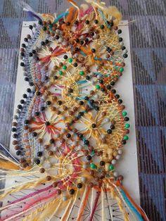 Bobbin Lace Patterns, Bead Loom Patterns, Hairpin Lace Crochet, Crochet Motif, Crochet Edgings, Crochet Shawl, Bobbin Lacemaking, Types Of Lace, Lace Jewelry