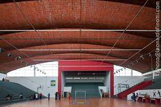leonardo finotti - architectural photographer: ELADIO DIESTE - GYMNASIUM