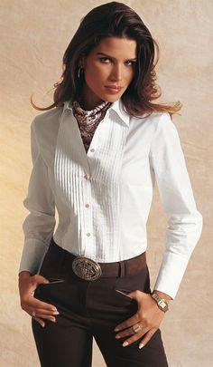 Madeleine 169 (Blouse et Foulard Tags: scarf silk blouse foulard madeleine Office Outfits Women, Casual Outfits, Fashion Outfits, Womens Fashion, Work Fashion, Fashion Beauty, Ralph Lauren Womens Clothing, White Shirts Women, Elegant Outfit