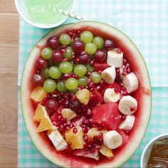 These Fruit Hacks Will Save So Much Time Beste Fruit Hacks The post Diese Fruit Hacks sparen so viel Zeit & Vegan and Vegetarian appeared first on Recipes . Tasty Videos, Food Videos, Hacks Videos, Healthy Snacks, Healthy Recipes, Food Hacks, Snack Hacks, Baking Hacks, Love Food