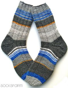Restesocken Knitting Socks, Hand Knitting, Knitting Patterns, Crochet Patterns, Sexy Socks, Cool Socks, Top Pattern, Free Pattern, Patterned Socks