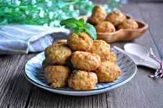 Tofu Meatballs or LazyMan Meatballs 豆腐肉圆 / 懒人肉圆 - Eat What Tonight Tofu Recipes, Meatball Recipes, Asian Recipes, Snack Recipes, Snacks, Beef Balls Recipe, Tofu Meatballs, Egg Tofu, Tofu Dishes