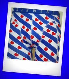 Originieel met Valentijn: Stuur annoniem een Boxershort op naar je geheime liefde. http://www.verrassendleuk.nl/index.php?item=hipsters-en-boxershorts=page_id=33=NL