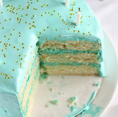 gorgeous turquoise cake.  This color is second only to pink and is, in fact, made more fabulous by combining with pink or cranberry.
