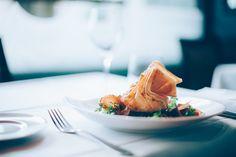 Maneras de poner la mesa para vivir una experiencia chefs a domicilio