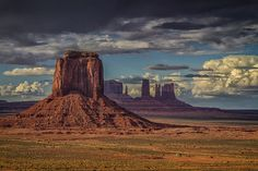 Monument Valley, Arizona, USA - by Mark Betts West Usa, Monument Valley, Artist Point, Image Nature, Desert Life, Le Far West, Nature Pictures, Earth Pictures From Space, Landscape Photos