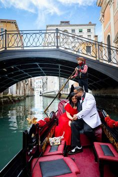 Taking Romantic Engagement Pictures of the Big Question in Venice Italy Proposal Photography, Lifestyle Photography, Wedding Proposals, Wedding Couples, Couple Posing, Couple Photos, Surprise Wedding, Most Romantic, Engagement Pictures