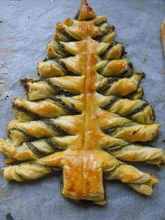 Évkerék receptgyűjtemény: Pesztós karácsonyfa leveles tésztával