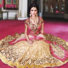 17 Traditional Indian outfit ideas for Teej festival Indian Bridal Wear, Asian Bridal, Pakistani Bridal, Bridal Lehenga, Wedding Lehnga, Punjabi Wedding, India Fashion, Asian Fashion, Bridal Outfits