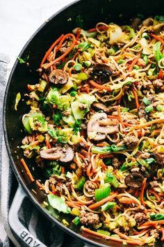 Egg Roll Noodle Skillet with Ground Pork – The Recipe Critic Pork Pasta, Pork Noodles, Pork Recipes For Dinner, Appetizer Recipes, Italian Appetizers, Sauce Hoisin, Pork Egg Rolls, Chicken Spring Rolls, Sweet And Spicy Sauce