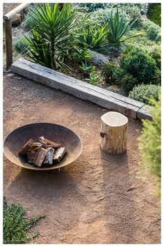 Fig Landscaping are a Byron Bay based landscaping company who provide landscape design, construction and maintenance services throughout Northern Rivers.