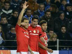 O que o Benfica lutou para chegar tão alto e arriscar a maior queda da História | Maisfutebol.iol.pt - Encarnados têm a primeira de duas ocasiões para chegar ao inédito tetracampeonato