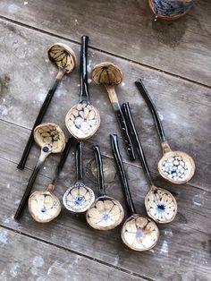 Ceramic artist Julie Spako creates handbuilt functional work inspired by Willow Ware and folk patterns. Ceramic Spoons, Ceramic Clay, Ceramic Pottery, Ceramic Painting, Slab Pottery, Wooden Spoons, Pottery Vase, Ceramic Bowls, Keramik Design