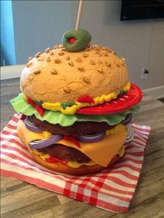 Burger cake Burger Cake, Unique Cakes, Beautiful Cakes, Frosting, Hamburger, My Favorite Things, Ethnic Recipes, Desserts, Decorating