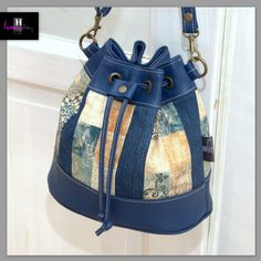 Denim Bag Patterns, Bag Patterns To Sew, Blue Jean Purses, Leather Bag Pattern, Diy Bags Purses, Recycle Jeans, Recycled Denim, Patchwork Bags, Fabric Bags