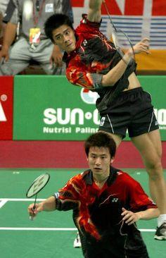 Fu Haifeng smasht; Hij kan 332 km/h. Cai Yun op de voorgrond