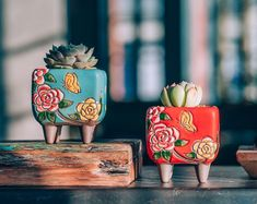 Set of 2 - beautiful flower style ceramic planter, succulent planter . - Set of 2 – beautiful flower style ceramic planter, succulent planter, ceramic plan … – - Succulent Soil, Planting Succulents, Flower Planters, Flower Pots, Flower Ideas, Ceramic Pottery, Ceramic Art, Ceramic Decor, Cerámica Ideas