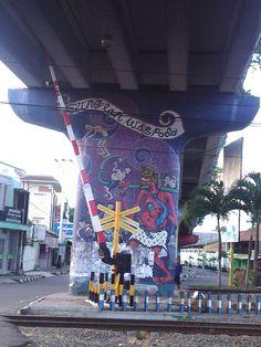Wn jepang bersihkan mural di dinding kota yogyakarta for Mural yogyakarta