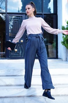 Fahion photoshoot-Office style Office Style, Office Fashion, Athens, Mom Jeans, Normcore, Photoshoot, Pants, Clothes, Trouser Pants