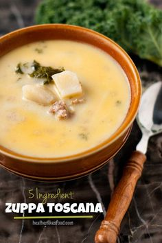 5 Ingredient Zuppa Toscana | Soup Recipe http://heatherlikesfood.com