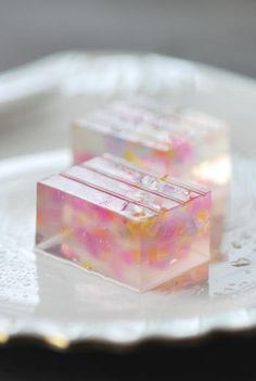 wagashi I donno wat it is but it's pretty and I feel like eating it