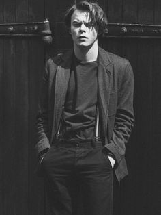 photoshoot with actor Charlie Heaton from Stranger Things. Photography by Jay McLaughlinCelebrity photoshoot with actor Charlie Heaton from Stranger Things. Photography by Jay McLaughlin Stranger Things Jonathan, Stranger Things Actors, Watch Stranger Things, Stranger Things Aesthetic, Stranger Things Netflix, Beautiful Celebrities, Beautiful Men, Beautiful People, Charlie Heaton