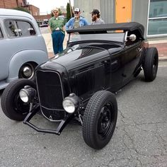 Vintage Cars, Antique Cars, Car Man Cave, 1932 Ford, Transportation Design, Street Rods, Ford Models, Rat Rods, Custom Cars