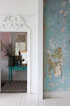 Aqua Blue, decayed wall effect