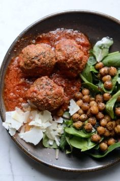 French onion lamb meatballs made with your favorite French onion dip and other spices! Yes, these lamb meatballs will become your go to meatball recipe! Easy Snacks, Quick Easy Meals, Easy Lamb Recipes, Holiday Recipes, Dinner Recipes, Lamb Meatballs, Onion Dip, Bohemian Lifestyle, French Onion