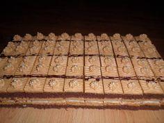 Karamelovo snehové rezy | Torty od mamy Sweet Desserts, Dessert Recipes, Czech Recipes, Cake Bars, Beautiful Cakes, Food And Drink, Treats, Cookies, Tiramisu