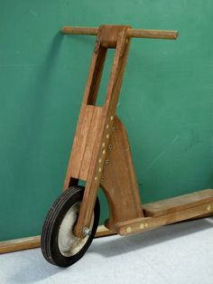 Vintage Hand-made Wooden Scooter DIY Popular Mechanics Toy image 2 Wooden Scooter, Wood Bike, Mechanical Workshop, Small Cafe Design, Wooden Wheel, Popular Mechanics, Push Bikes, Metal Fabrication, Wood Toys