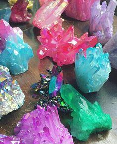 crystal, diamond, and gems image Crystal Healing Stones, Crystal Magic, Stones And Crystals, Crystal Diamond, Minerals And Gemstones, Rocks And Minerals, Crystal Aesthetic, Magical Jewelry, Mineral Stone