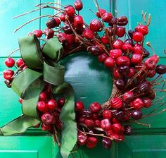Small Rosehip Wreath