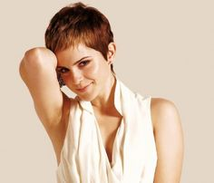 Taglio di capelli corti Emma Watson 2011