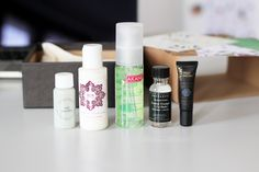 Zoom sur le contenu de la Nuoo Box de janvier, LA box beauté bio et naturelle du moment ! Au programme : des miniatures, un magazine, des surprises...