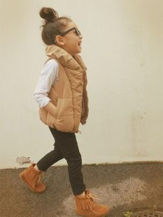 Stylish brown vest for girls Little Girl Outfits, Little Girl Fashion, Toddler Outfits, Toddler Girl Style, Toddler Fashion, Kids Fashion, Kid Styles, Look Fashion, Spring Fashion