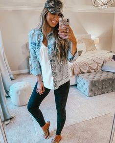 Shop Your Screenshots™ with LIKEtoKNOW.it, a shopping discovery app that allows you to instantly shop your favorite influencer pics across social media and the mobile web. Cute Fall Outfits, Outfits With Hats, Mom Outfits, Everyday Outfits, Stylish Outfits, Summer Outfits, Fashion Outfits, College Outfits, Cheap Fashion