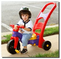 Best deals on tricycles, accessories and safety products. Tricycles for Kids focuses on providing quality reviews of the market, as well as brings top-notch products to the spotlight.