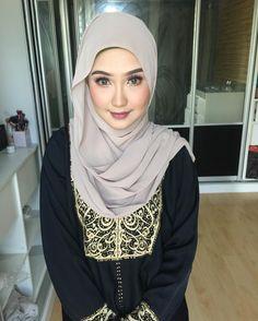 """419 Likes, 3 Comments - Nur Aiza Amira (@aieyzaamieyra) on Instagram: """"Morning.. 💕💕 Selamat bercuti semua.. 🌹 Lama sudah tak beraksi rasanya 😬 Today photoshoot, makeup by…"""""""