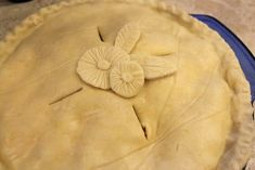 An easy Gluten Free Pie Crust Recipe perfect for Desserts & Pot Pies! The crust is light, flakey, and can be used in your favorite recipe! (w/Vegan Options)