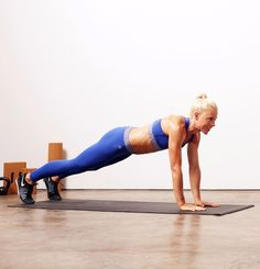 Burpees aren't fun - we know this. But they work the entire body, and that's one of the reasons CrossFit coach and competitor Dani Horan of Champlain Valley CrossFit is suggesting this simple yet grueling workout. Lower Ab Workouts, Quick Workouts, Morning Workouts, Exercise Workouts, Weight Exercises, Core Workouts, Exercise Videos, Plank Workout, Burpees Workout