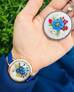 Mavi bir huy değil mavi özgürlüktür bende... günaydın 💙 Thread Art, Needle And Thread, Embroidery Stitches, Hand Embroidery, Handmade Accessories, Crochet, Christmas, Jewelry, Bias Tape