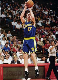 Chris Mullin, 16 years with the Golden State Warriors and Indiana Pacers. 5 time all star. I Love Basketball, Basketball Legends, Basketball Players, Basketball Diaries, Basketball Skills, Chris Mullin, 2018 Nba Champions, Nba Stars, Basketball