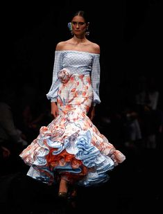 2016 Flamenco Dress by Miriam Galvin Gypsy Dresses, Dance Dresses, Flamenco Dresses, Flamenco Wedding, Anniversary Dress, Fiesta Outfit, 2016 Fashion Trends, Fashion Show, Fashion Design