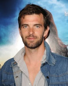 Lucas Bryant at event of Rogue (2013)