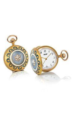 El reloj de bolsillo regresa para convertirse en apéndice del 'fashionista'. Pero, como todo complemento, este clásico también requiere un manual de uso. ¿Se puede llevar con un re